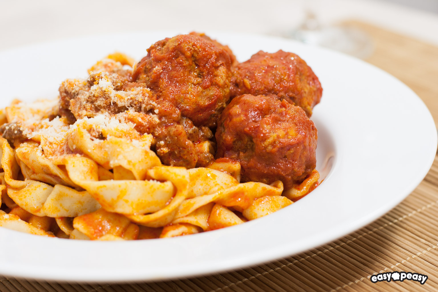 Tagliatelle and meatballs