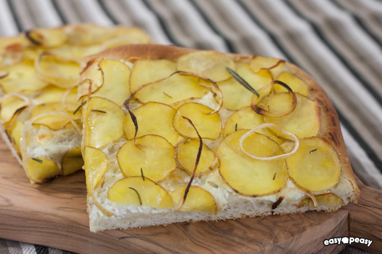 Focaccia con patate e formaggio!