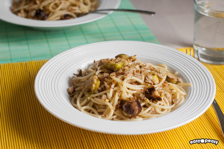 Spaghetti al limone con cavolini.